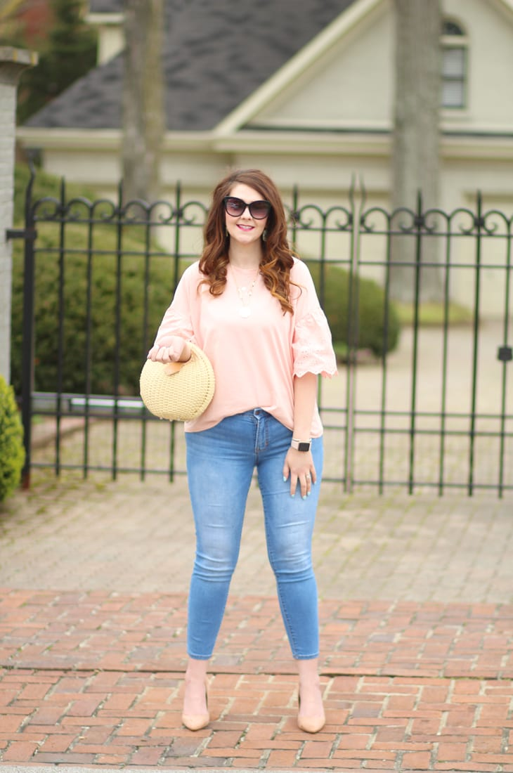 eyelet sleeve top and skinny jeans