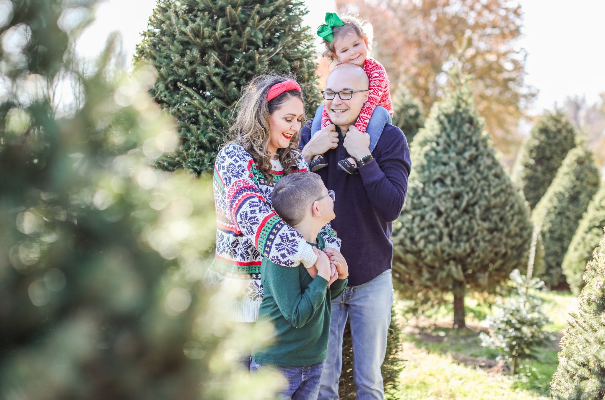 What To Wear For Family Christmas Photos Casual Outfits At The Christmas Tree Farm Bright On A Budget